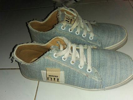 #BAPAU || Sepatu Denim 110