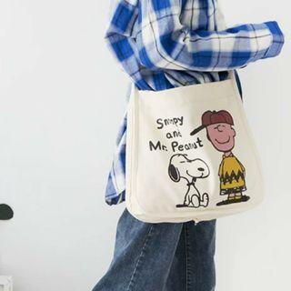 🚚 🐣現貨🐣 ❤佳比雜貨❤米白/鈕扣帆布包史努比Snoopy狗狗印花可調節斜挎包包女生書包