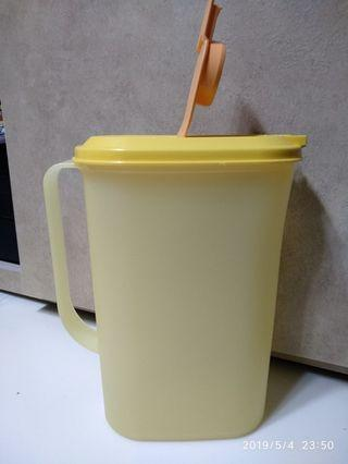 Tupperware water Pitcher
