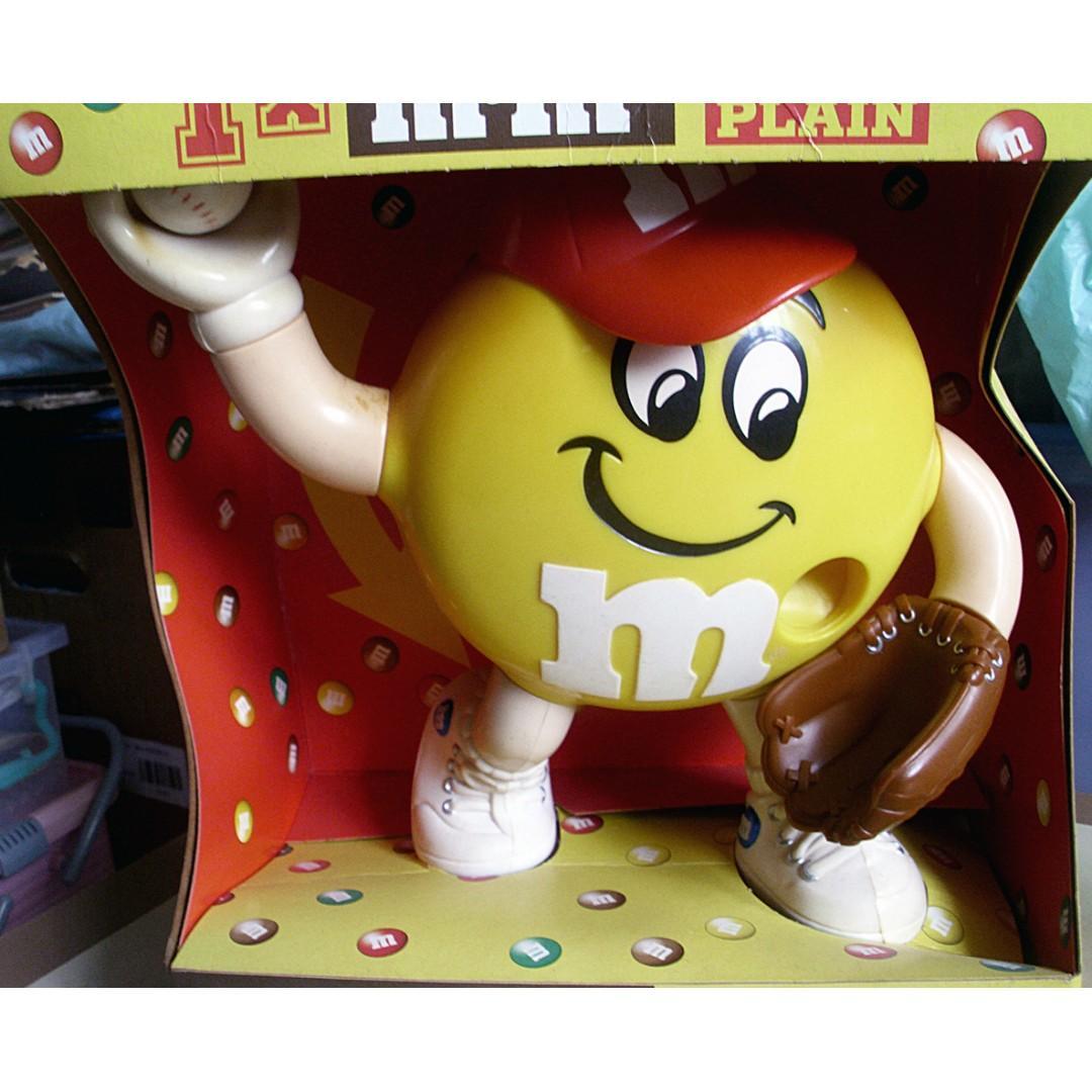90年代產品美版M&M's S棒球手造形糖果機一部