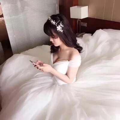 95% new fancy  heart shape Wedding Gown 婚紗
