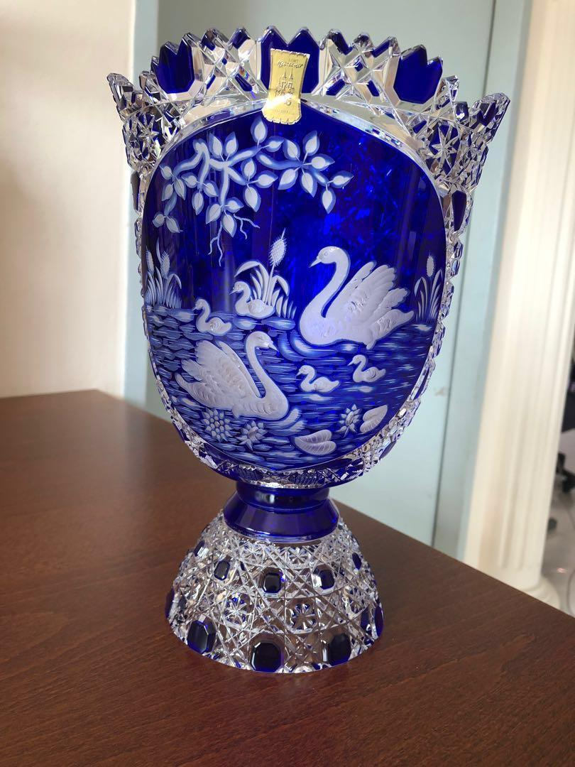 A vintage (mid 20th century) and ultra rare Meissener Bellkristall handcut crystal vase in magnificent condition