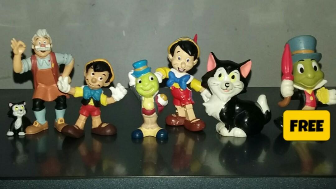 DISNEY Pinnochio toy Figures