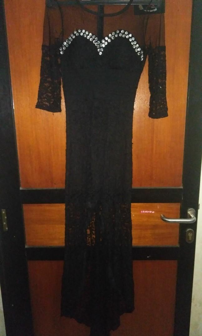 Dress perta brukat