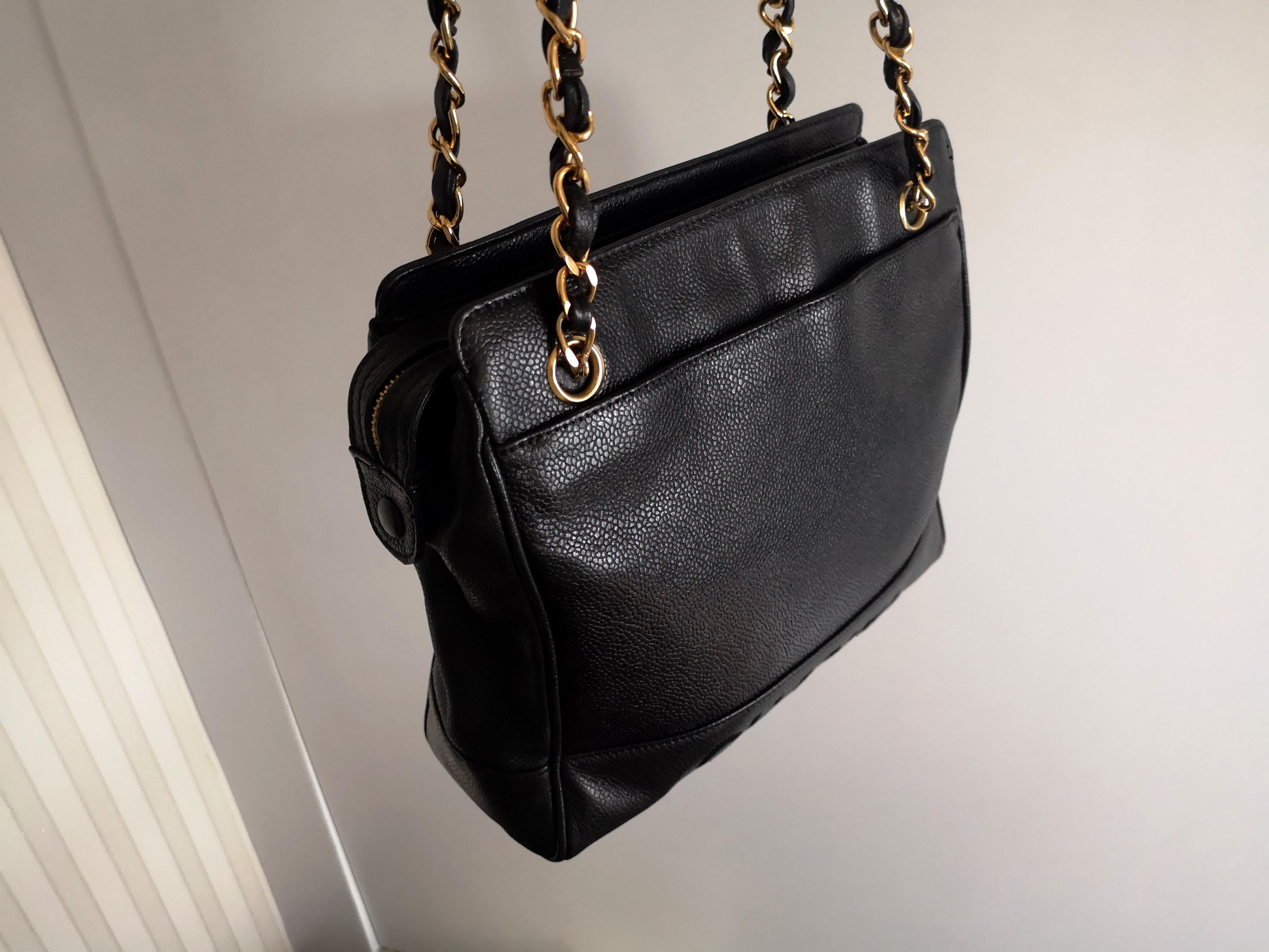 Fast deal $999! Authentic Chanel Tote