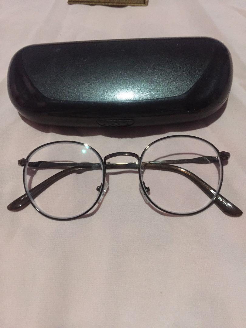 Kacamata bulat (minus 1,5)