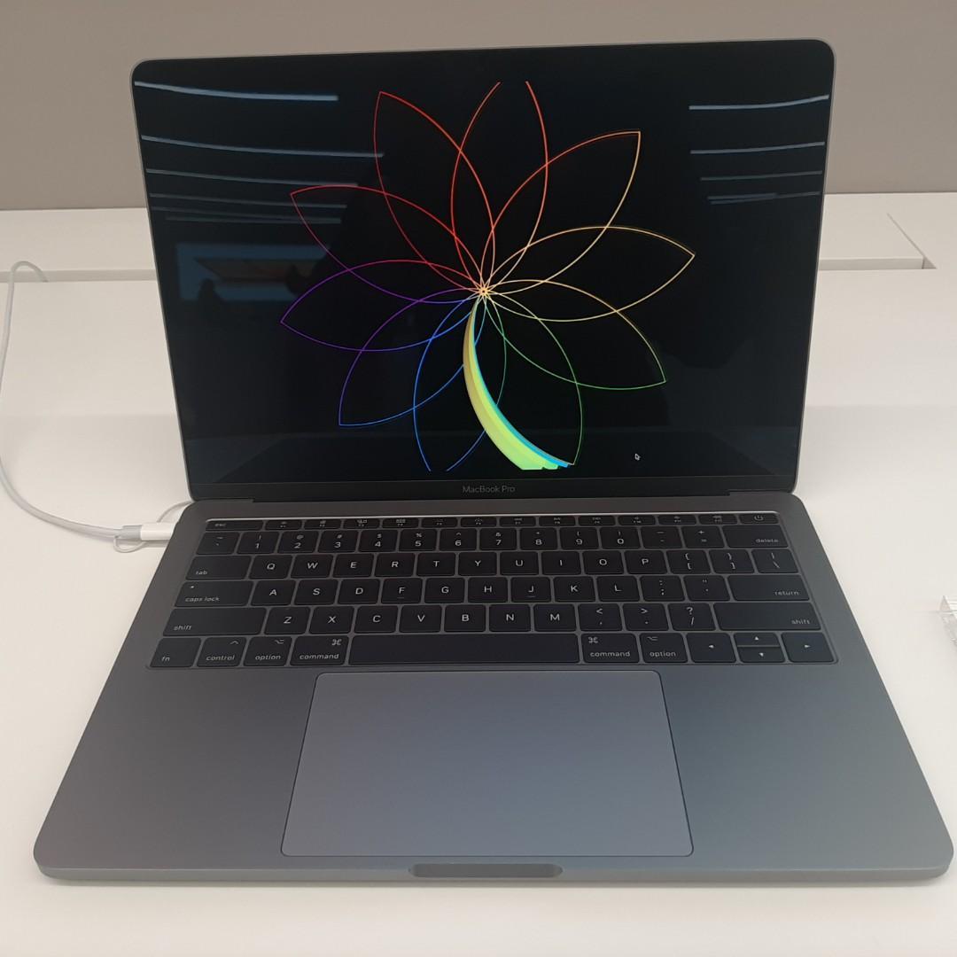 Macbook Pro 13 inci 2017 Kredit Tanpa Jaminan Cash Back 1 Juta Ibox