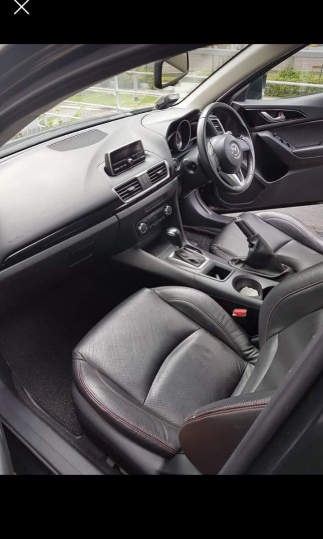Mazda 3 sedan ( 2017 )