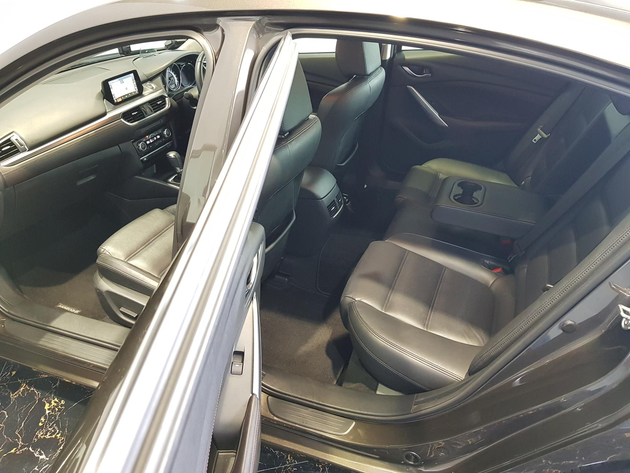 Mazda 6 4-Door Sedan 2.0A
