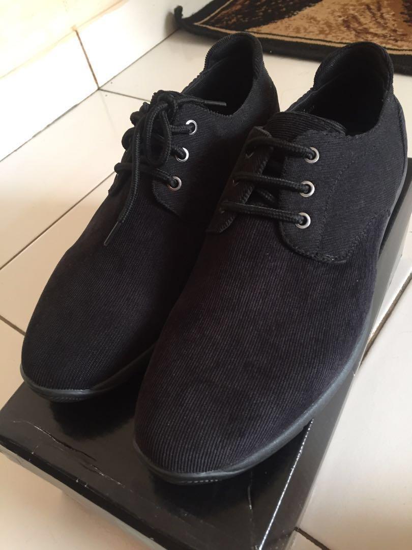 Men's Shoes / black shoes / corduroy shoes
