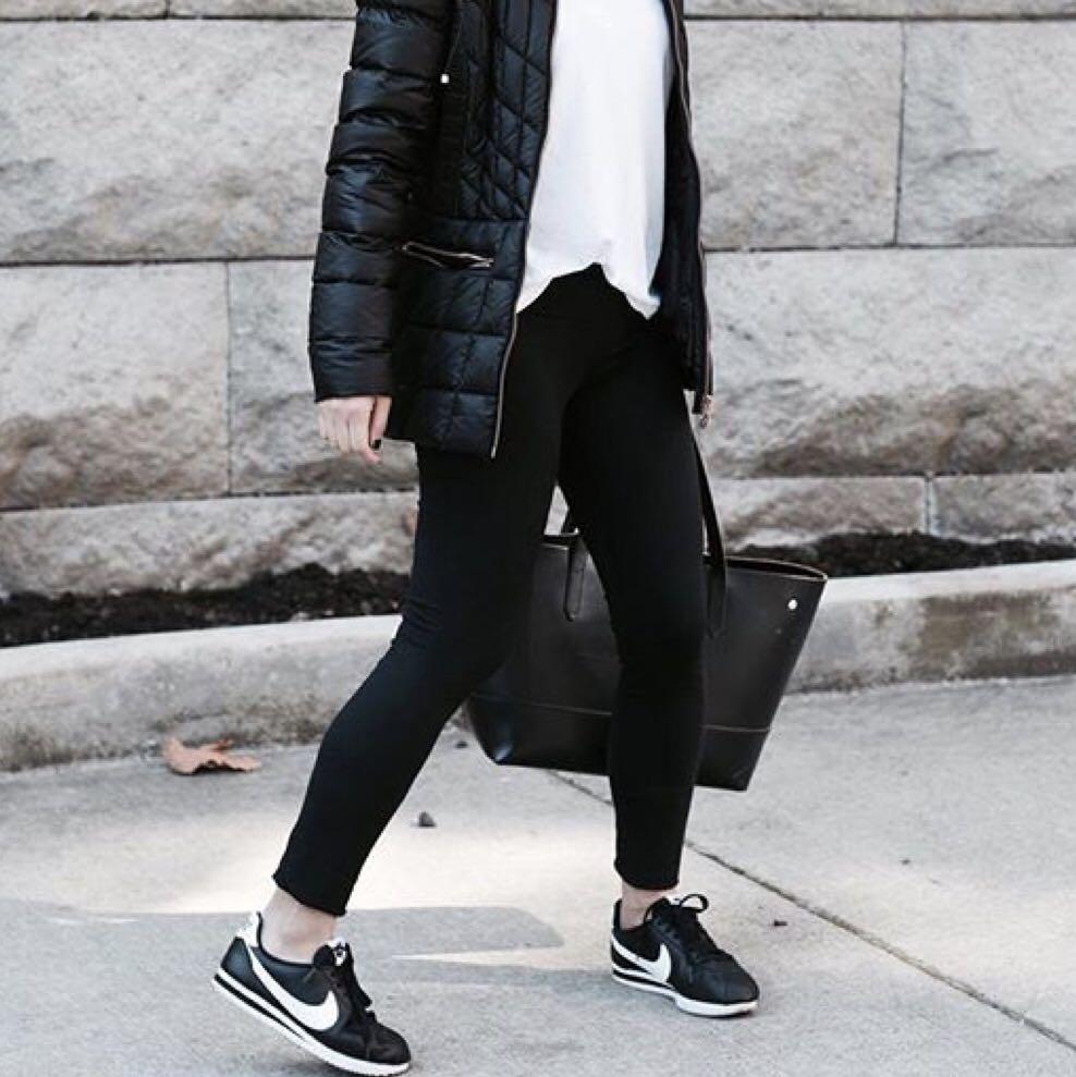 exposición distancia negar  Nike Black Cortez, Women's Fashion, Shoes, Sneakers on Carousell