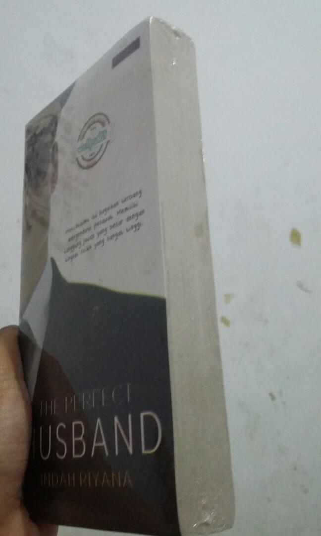 Novel Wattpad - The Perfect Husband (Indah Riyana)