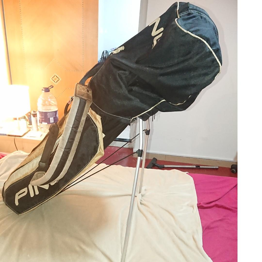 Ping Golf bag with very comfortable strap and stable stand.