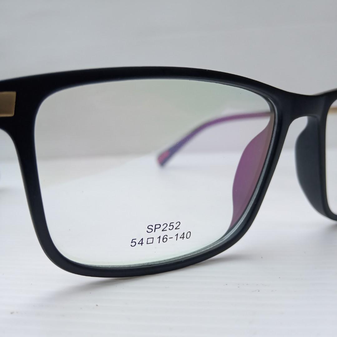 Prada kacamata original