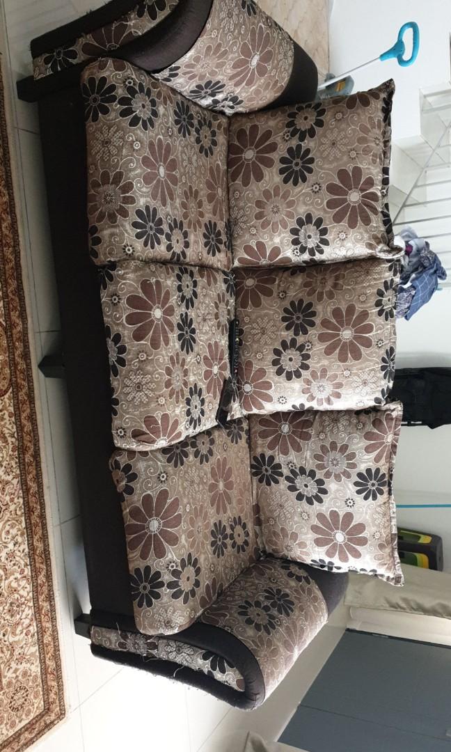 Sofa terpakai