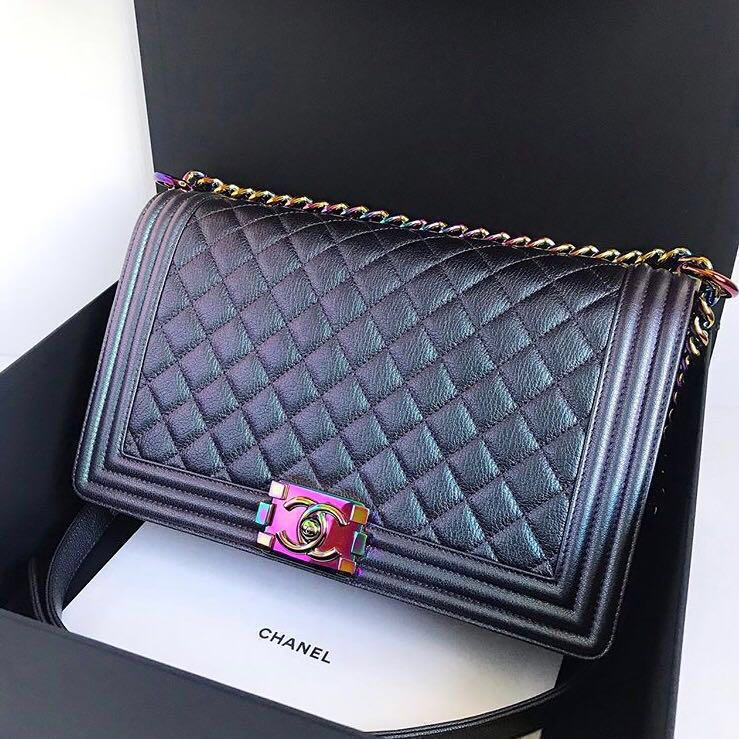 065fbe7ccf59 (SOLD) Chanel Mermaid Iridescent Boy New Medium 28cm Rainbow HW #21,  Luxury, Bags & Wallets, Handbags on Carousell