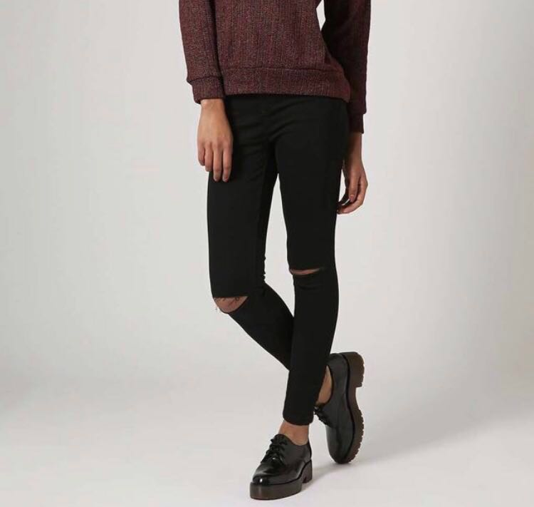 e6176c74844 Topshop Moto Jamie High Waisted Skinny Jeans in Black with Ripped ...