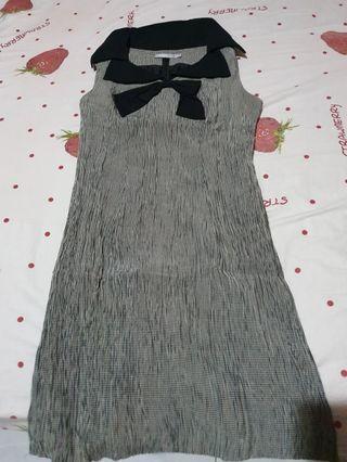 Elfas grey black dress