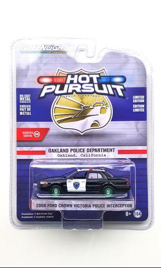 CHASE: Greenlight 2008 Ford Crown Victoria Police Interceptor