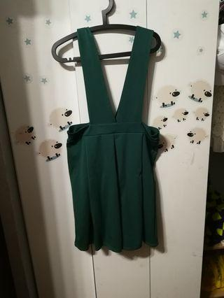 綠色吊帶裙短裙