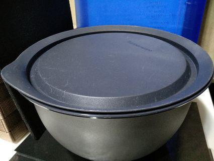 Tupperware Big Bowl