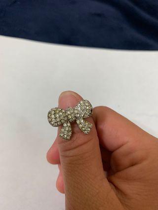 🚚 蝴蝶結造型戒指