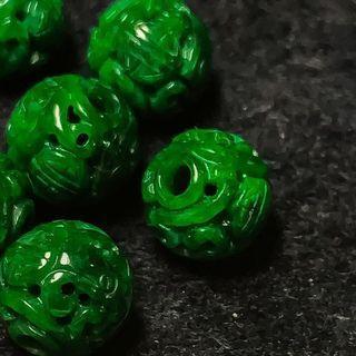 🚚 💯Grade A Imperial Green Barrel Jadeite Pendant (帝皇绿翡翠路路通)(With NGI Cert‼️)