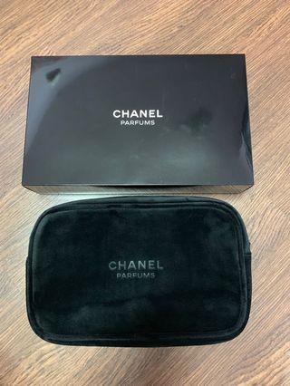 Chanel makeup bag / pouch