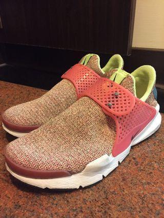 🚚 Nike sock dart 粉色