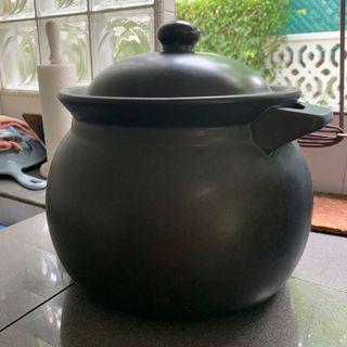 Huge cooking claypot #homerefresh30