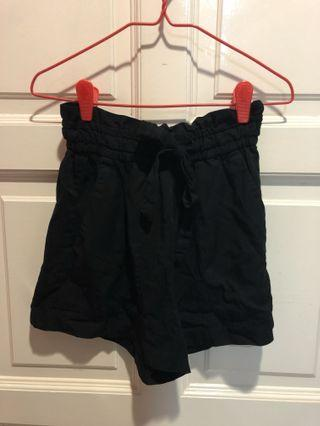 H&M Ribbon Black Shorts