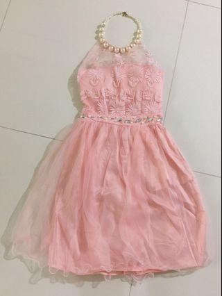 🚚 Pink tube dress with chain