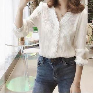 [ NEW ] White classic long sleeve top