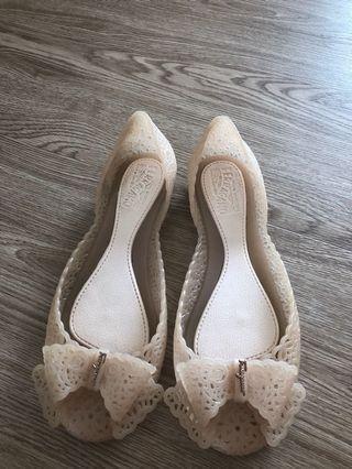 🚚 Ferragamo jelly shoe