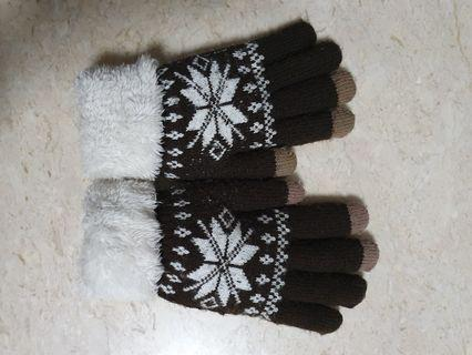 Winter gloves touch screen mittens.