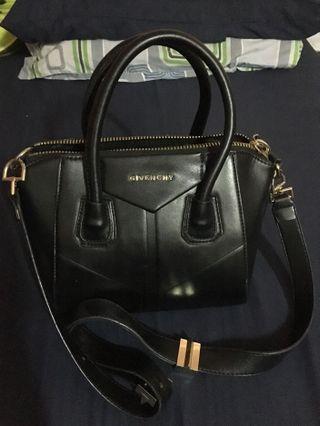 Markdown Givenchy black handbag (inspired) #Gayaraya