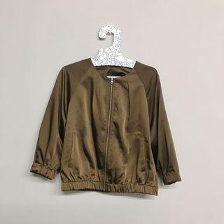 🚚 GU-光澤棒球外套