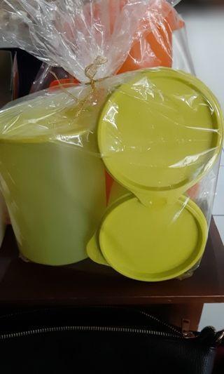 Toples tupperware