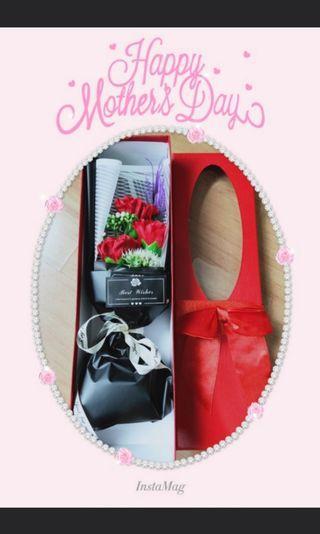 🚚 Rose/Cornation Bouquet