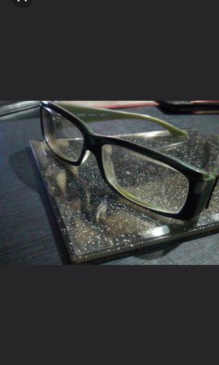 🚚 Esprit品牌眼鏡賣940不含鏡片