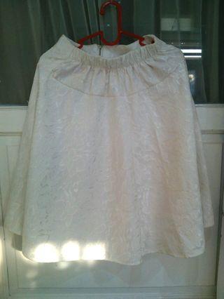 #maujam rok putih