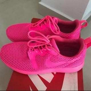 Nike Roshe Shocking Pink shoe