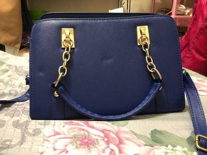 藍色方型包