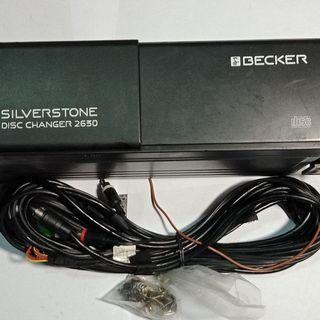 。二手品。賓士(benz)車用汽車音響CD換片箱,純正德國製造