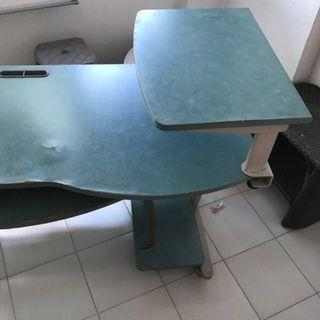 Computer table with slabs