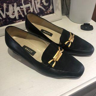 Authentic Vintage Bally loafers size 37