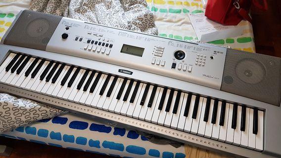 🚚 Yamaha Keyboard Grand DGX-230