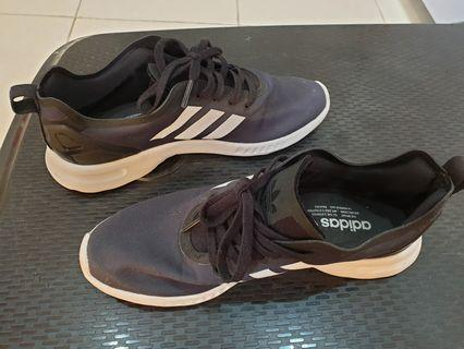 Sepatu Adidas unisex size 36 baru sekali pakai