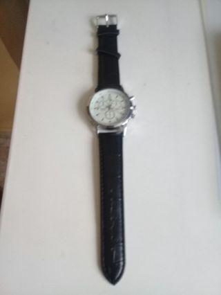 Watch - Casual Quartz Leather Band Watch