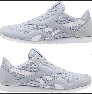 Sepatu reebok nylon cl